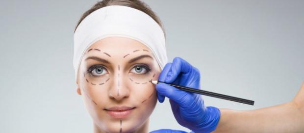 Cirurgias plásticas em países vizinhos chegam a custar menos da metade do preço no Brasil