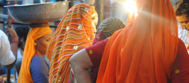 India, 15enne stuprata dal fratello abortisce e viene condannata.