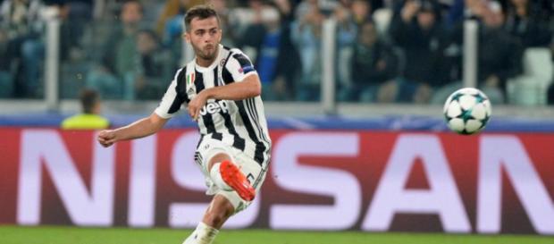 Miralem Pjanic pourrait échapper au PSG, car Manchester City pourrait faire une très grosse offre à la Juventus pour ce joueur.