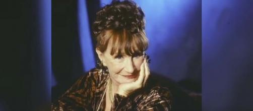 "Elmarie Wendel who played Mrs. Dubcek on ""3rd Rock from the Sun"" has died at 89. [Image ANI News/YouTube]"