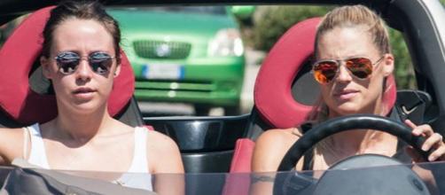 Michelle Hunziker: vacanze estive sul Lago di Garda.