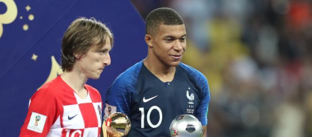 Luka Modric e Mbappé receberam prêmios na Copa do Mundo da Rússia