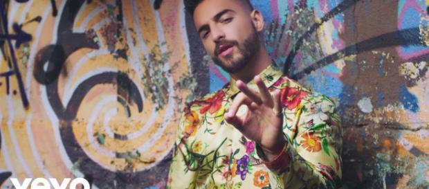 Maluma es criticado por sus seguidores de Instagram por celebrar el cumpleaños de su madre en un yate