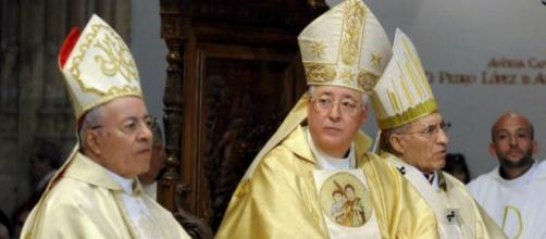 El obispo Pla en la misa de TVE culpa a los anticonceptivos de la infidelidad conyugal