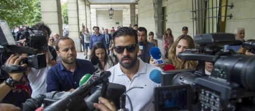El guardia civil de La Manada seguirá en libertad pese a que intentó renovar el pasaporte