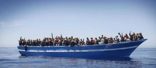 Salvini rifiuta 6mila euro per ogni richiedente asilo soccorso. Si rischia il caos nell'Unione Europea.