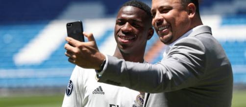 Vinicius Jr. en el Bernabéu llega al Real Madrid y dice que desea quedarse muchos años