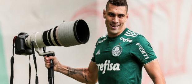 Moisés fica no Palmeiras pelo menos até dezembro
