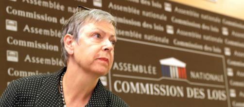 """Affaire Benalla : les violences commises le 1er mai """"légitimes"""" s'il s'agit d'un policier"""