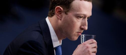 Facebook sofre a maior queda no valor de mercado, desde a sua fundação