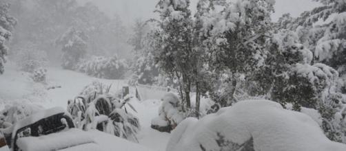 Intensa nevada deja una familia atrapada en Argentina