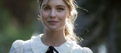 Vittoria Puccini è Violetta: trama, foto e video della fiction Rai - fanpage.it