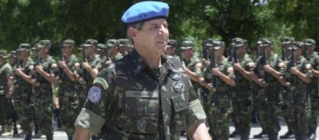 General Augusto Heleno critica ex-presidente Lula