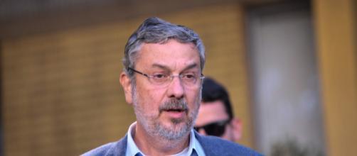 Palocci entrega rastreadores a PF para comprovar ações ilícitas do ex-presidente Lula
