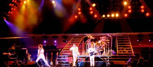 Queen: Hungarian Rhapsody - Live In Budapest 1986 (Full HD 1080p ... - youtube.com
