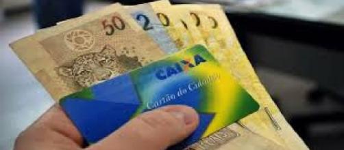 O valor do abono varia de R$ 80,00 a R$ 954,00