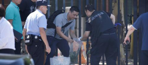 Un hombre detona un artefacto explosivo casero ante la embajada de ... - elbilluyo.com