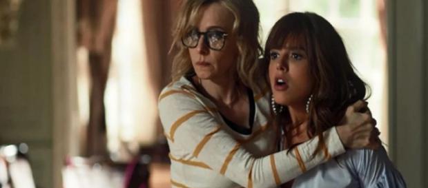 Rochelle tenta transar com Roberval e descobre que ele é seu tio em Segundo Sol (Foto: TV Globo)