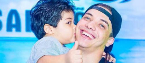 Cantor Wesley Safadão com o filho
