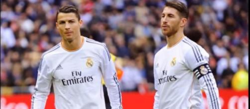 Cristiano Ronaldo e Sergio Ramos [Imagem via YouTube]