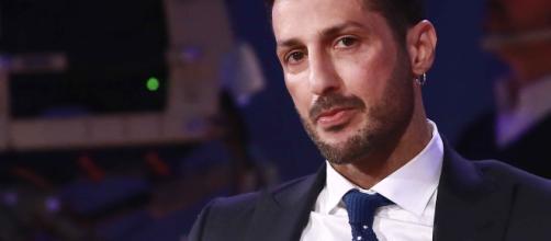 Fabrizio Corona ritrova la pace con Nina Moric, ma è in crisi con Silvia Provvedi
