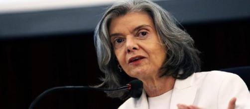Ministra Cármem Lúcia suscita em palestra importantes aspectos que podem embargar o Judiciário.
