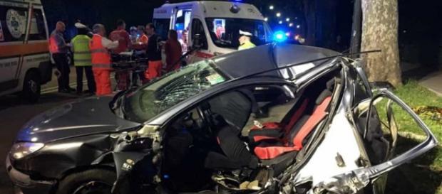 Calabria, grave incidente stradale: due feriti gravi. (foto di repertorio)
