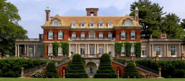 Old Westbury Gardens presents 'Picnic Pops' every Wednesday. / Image via Old Westbury Gardens, used with permission.
