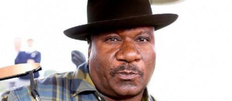 """""""Mission: Impossible"""" actor Ving Rhames had a gun pointed at his head by police. [Image @TalbertSwan/Twitter]"""
