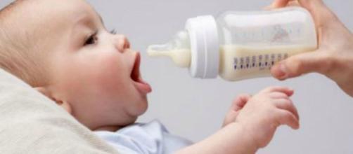Allattamento dei bambini con latte non materno.