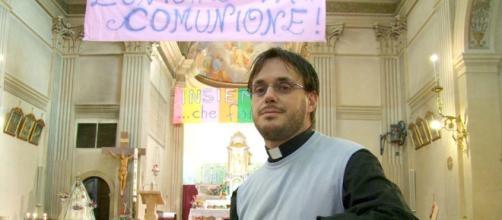 Don Giuliano si è sposato, ma è ancora prete