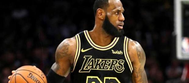 Los Angeles Lakers targeting some big trades to help LeBron James [Image by Lakers / Picdo}
