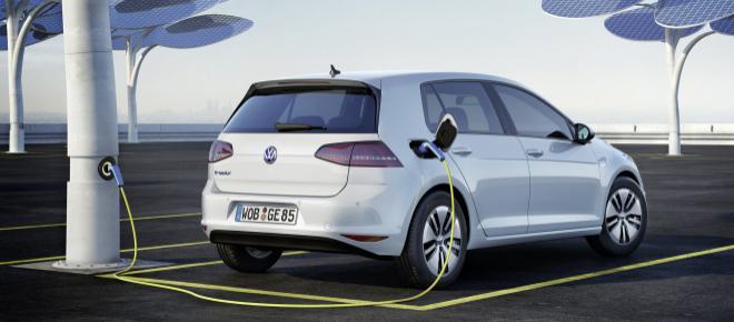 Auto elettriche, 30% entro il 2030 l'obiettivo Ue, i costruttori: 'Irrealistico'