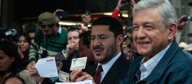 Obrador promete cambios como vender el avión presidencial y no vivir en Los Pinos