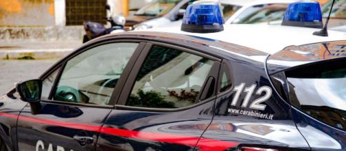 Ad Aprilia l'inseguimento di un'auto sospetta è finito tragicamente.