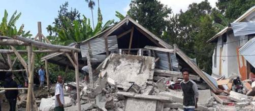 Un fuerte terremoto dejó al menos 13 muertos y cientos de heridos ... - minutouno.com