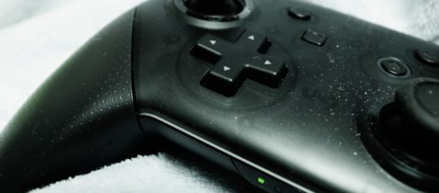 Photo of a Nintendo Switch controller. - [Toshiyuki IMAI / Flickr]