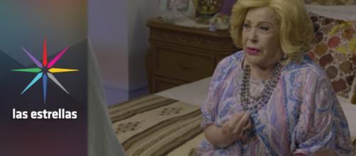 Doña Imelda sufre mucho por su secreto.