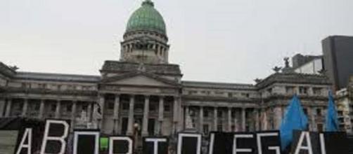 Fuertes manifestaciones en Argentina sobre el apoyo o no al aborto