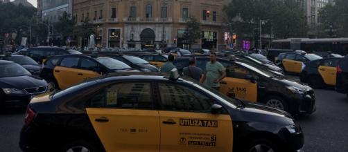 Taxistas esperan que el Ministerio de Fomento de respuesta a sus peticiones sobre los VTC