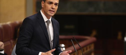 El Gobierno confirma que Sánchez recibirá a Casado en la Moncloa este jueves
