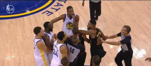 Reports say LeBron James and KD helped break up another fight involving Tristan Thompson and Draymond Green. - [EPSN / YouTube screencap]