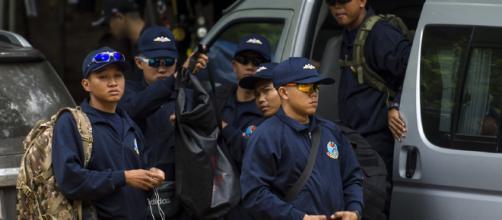 Mergulhador morre ao ficar sem oxigênio em caverna na Tailândia
