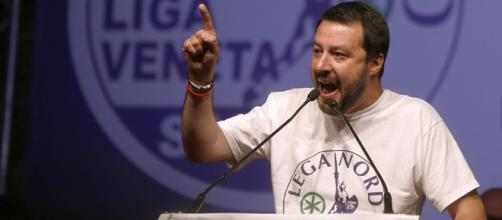 Dura reazione del vicepremier Matteo Salvini alla decisione della Corte di Cassazione che ha autorizzato il sequestro dei fondi della Lega.