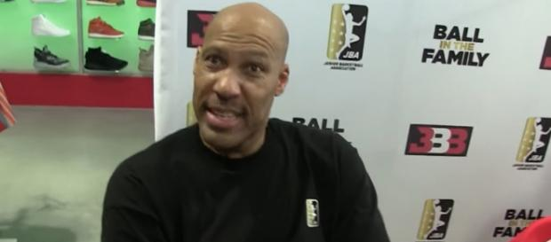 LaVar Ball has guaranteed at least two NBA titles for the Lakers if all his boys join roster with LeBron. - [TMZ Sports / YouTube screencap]