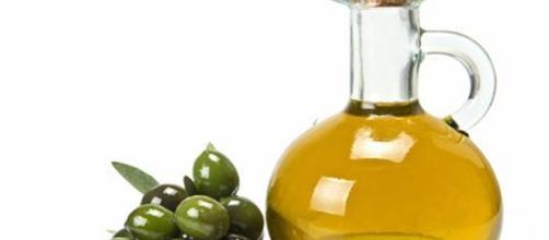 """L'""""Olio Italico"""" nel nostro mercato è una fake news: la denuncia arriva dalla Coldiretti."""