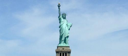 New York City Statue of Liberty (Image courtesy – Laslovarga, Wikimedia Commons)