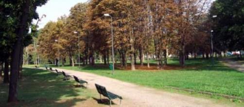 Rimini, bimbo cacciato dal parco: 'Fai schifo, sei nero, vattene via da qui'