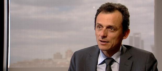 Pedro Duque comienza a visitar las universidades españolas como ministro