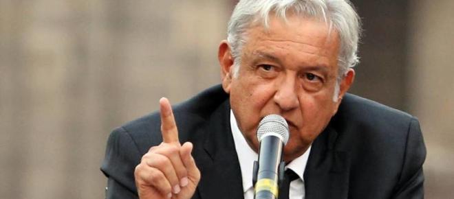 Obrador lanza una invitación a Papa Francisco para acabar con la violencia